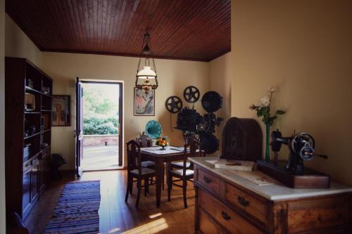 perleas-living-room-kampos-chios-005