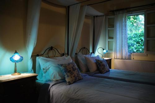 perleas-rooms-portokali-kampos-chios-005